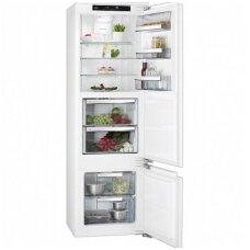 AEG įmontuojamas šaldytuvas su šaldikliu SCE81816ZF